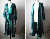 Vintage Victoria's Secret Lingerie Long Kimono Robe with Bold Asian Style Print Size Petite/Small