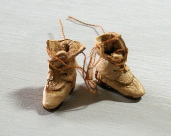 Miniature old leather boots - beige leather with brown trimming