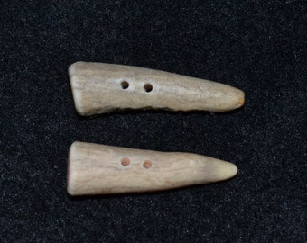 antler buttons deer antler buttons handmade deer antler buttons tips tines toggle toggel two hole rustic animal native natural buttons No. 2
