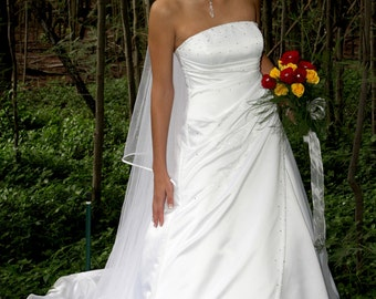 Circle Bridal Veil Satin Edge Chapel Length Aphrodite Model