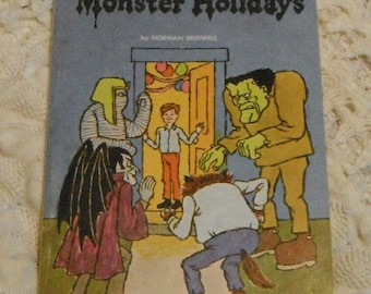 Monster Holidays by Norman Bridwell Vintage Softcover Scholatic Book