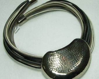 1970s Modernist Necklace Gray Leather Strands Hammered Biomorphic Centerpiece Statement Necklace