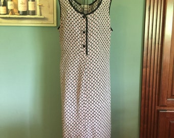 1970-80's Women's Nightgown, size Large