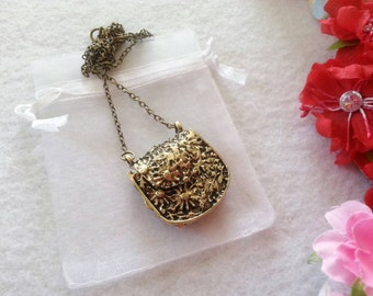Retro, Vintage Purse Necklace