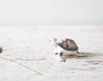Tiny Turtle Figurine - Hagen Renaker - Adorable Bird Porcelain Turtle Figurine Animal Bone China Japan