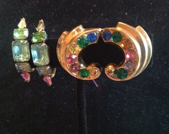 Colorful Vintage Screw Back Goldtone Earrings
