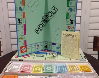 Monopoly Game Vintage original box  nice shape complete