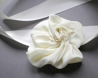 Bridal  Gardenia Flower Dress Sash. Chic Hand Made. Wedding Dress Sash. Chic Prom. Flower Girls. Boho Gypsy Sash. Elegant Bride Shower gift