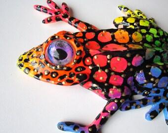 Frog wall decor