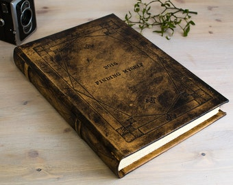 "Leather Guest Book Personalized, Hard Cover Leather Journal Custom, Leather Sketchbook, Gifts For the Couple, ""Infinitum Meditatio"" A4 size"
