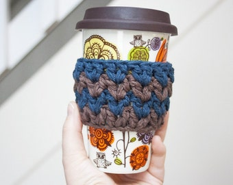 Chevron Cup Cozy Navy Blue and Brown Zig Zag Cup Cozy Crochet Coffee Cozy Crochet Mug Cozy Reusable Cup Sleeve Stocking Stuffers Under 10