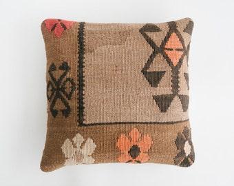 18x18 Turkish Kilim Pillow / Feather Insert (9)