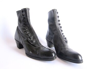 Victorian Boots, Steampunk Boots, Black Leather Button Womens Boots Size 6 to  6.5