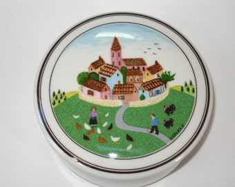 "Villeroy & Boch DESIGN NAIF 3 - Gerard Laplau 4"" Lidded Dresser Jar / Trinket Box - Walled Village Scene"