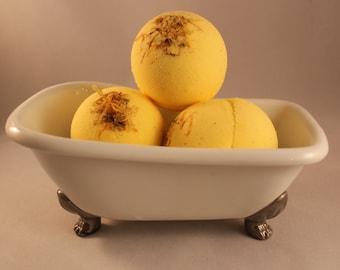 Pumpkin & Cinnamon Bath Bomb