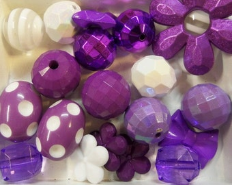 20CT. Purple and White Bead Collection, (Q17)