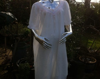 1970s Pale Pink Cotton Nightie with Embroidered Lace Trim