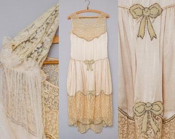 1920s Beaded Wedding Flapper Dress w/ Juliette Cap Veil Hand Beaded Ivory Silk Gatsby Dress MINT Condition