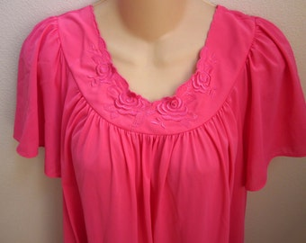 SALE Vintage nylon nightgown hot pink free bust Shadowline M