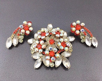 Vintage D&E Fire Orange Frosted Juliana Rhinestone Brooch and Earrings, Aurora Borealis Jewelry. Orange and white brooch, earrings.
