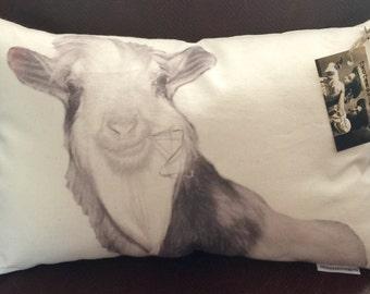 Goat Pillow / Baine