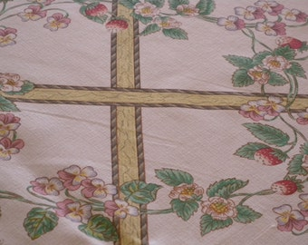 Vintage WEDGWOOD ENGLAND Floral Linen Printed Floral Tablecloth /  Summer Entertaining /  Summer Picnics / End of Summer/ Cottage Chic