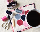 Quilted Mug Rug Colorful Coasters Table Mats Fabric Coasters Snack Mat Counter Mini Mat Large Coasters Pink and Gray Decor Hexagon Felt