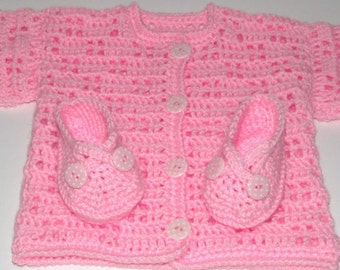 Cardigan and booties / shoes set. in pink with polka dot buttons 0-6 months