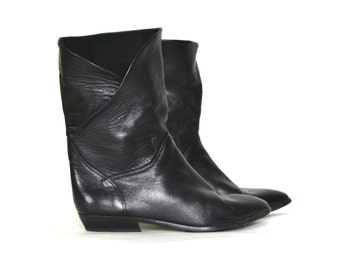 7.5 // Vintage Bandolino Leather Boots - Soft Leather - Ankle / Pirate Cuff