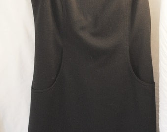 1970s Black Shift dress w/ pockets