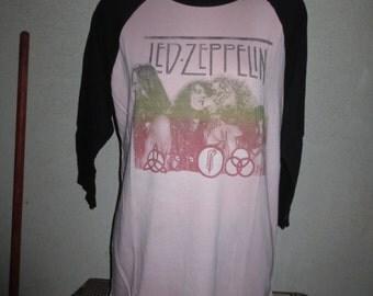 vintage baseball t-shirt led-zeppelin in concert  color pink black size large
