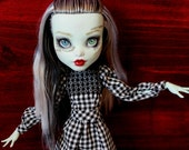 17 inch monster high dress: beatrix