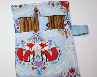 Set of 12 Crochet Hooks & Fabric Holder, Sweetheart Foxes, Crochet Hook Organizer, Includes Set of 12 Bamboo Crochet Hooks
