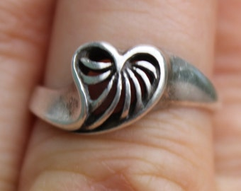 Sterling Silver Swirly Heart Ring Size 6