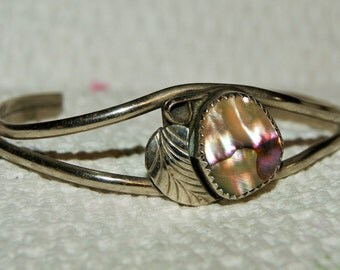 EARLY ZUNI CUFF Mother of Pearl 800 Silver c1940