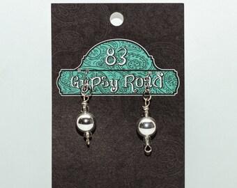 E086K - Glass & Silver ball earrings