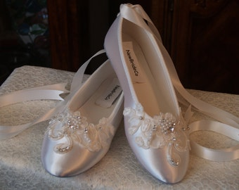 Brides Ivory Wedding Flat, Satin Ivory Shoes, Lace Applique with Pearls, Lace Up Ribbon Ballet Style Slipper, Comfortable Wedding Shoes