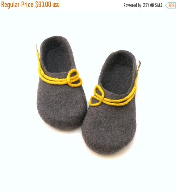 Women felted wool slippers -  handmade wool clogs - grey yellow felt slipper - made to order - autumn winter fashion  - Wedding gift