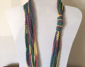 Rainbow chain cowl