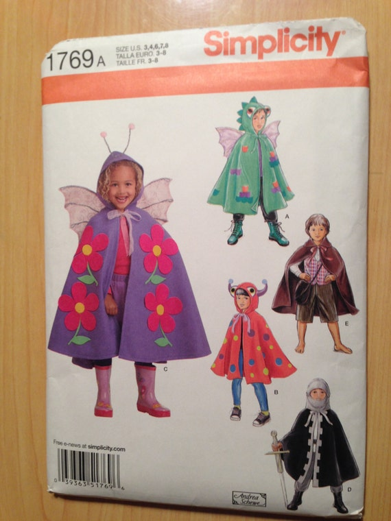 Simplicity 1769 Sewing Pattern Children's Costume Capes Size 3-8