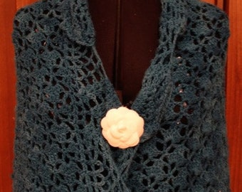Shawl - crocheted with scallop edging