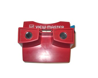 Red and White Viewmaster by GAF Portland Oregon made in USA