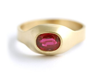 One Carat Ruby Signet Ring - 18k Solid Gold - Unisex Ring