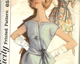 Simplicity 3993 Junior Size 11, Bust 31 1/2, Stunning Simple-To-Make Dress Pattern