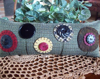 Penny Rug Button Flower Shelf Pillow Tuck