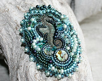 Seahorse brooch, seahorse jewelry, sea jewelry, beaded brooch, mermaid jewelry, sea themed jewelry
