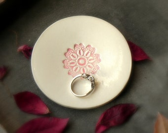 Ring Holder Lace Ceramic Ring Dish Pink Flower Round Plate White Pottery