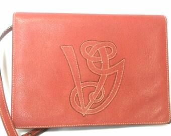 Vintage Valentino Garavani red pigskin shoulder clutch bag with unique logo stitch mark.