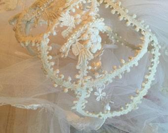 Cinderella Lace Cage Cap Vintage 60s Wedding Veil