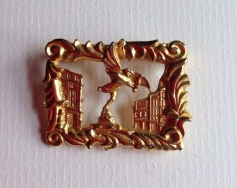 Vintage London  Piccadilly Circus Brooch / Gold Tone Textured Metal Brooch